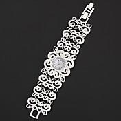 아가씨들 패션 시계 팔찌 시계 석영 모조 다이아몬드 합금 밴드 스파클 꽃패턴 우아한 실버