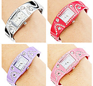 Women's Bracelet Style Alloy Analog Quartz Watch (Assorted Colors)