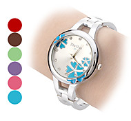 Women's Flower Pattern Round Dial Steel Band Quartz Analog Bracelet Watch (Assorted Colors)