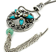 Double Butterfly Hollow Flower Necklace(Random Color)