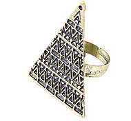 Personalized jewelry influx of people in Europe and America retro models Pyramid Ring (random color)