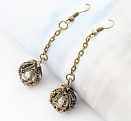 Women's vintage Crown pearl earrings E57