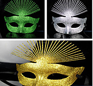 Masquerade Glitter Powder Retro Halloween Mask with Peacock Feather(Assorted Color)