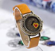 Женской любви Сердце Pattern круглый кожаный Кварцевые аналоговые наручные часы