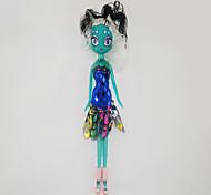 Boneca Barbie com tez verde