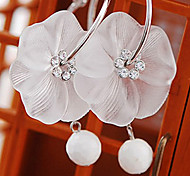 (1 Pc)European (Bowknot) White Pearl Drop Earrings(White)