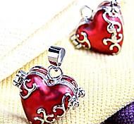 Rote Herz-Medaillon-Anhänger aus Metall