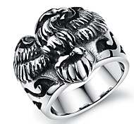 Modelo retro anillo de los hombres de acero inoxidable Armadura Creativo Hollow Forward (1 PC)