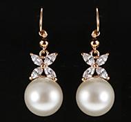 Mode Perle Blütenform-Tropfenohrring (1 Paar)