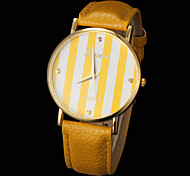 Women's Fashion Stripe Pattern Round Dial Pu Band Quartz Analog Wrist Watch (Assorted Colors)
