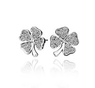 Fashion Clover White Platinum-Plated Stud Earrings (White)(1Pair)
