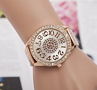 Women's Fashion Rhinestones Figure Steel Belt Quartz Wrist Watch(Assorted Colors)