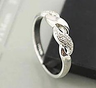 Lureme®Fashion and Simple Geometric Hollow Out Ring