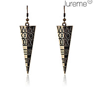 Lureme®Vintage Alloy Inverted Triangle Pattern Earrings (Bronze)