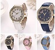 Women's  Fine Grid Round Dial Fine grid Long Leather  Quartz Watches (Assorted Colors) C&D-154