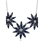 Korean  Fashion Drill Resin Three Flowers  Alloy Necklace