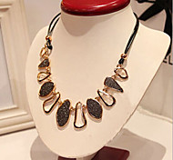 New Arrival Hot Selling Delicate Geometric Irregular Leather Necklace
