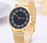 New Ol Style Quartz Watches Steel Circle Golden Belt Table