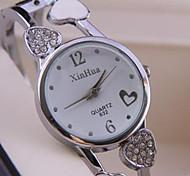 Ladies Fashion Watches Heart-Shaped Design Bracelet Watch