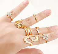 Lureme®Punk Hollow Flower Rhinestone Star Rings 7pcs/Set
