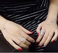 European Style Fashion New Trend of Shiny Rhinestone Leaf Bracelet Ring