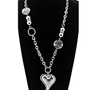 Vintage Heart Alloy Pendant Necklace