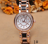 The New Fashion in Europe And America Rose Gold Diamond Ladies Fashion Watch Imitation Ceramics