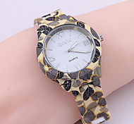 Ladies' Watch Geneva Leaves Pattern Style Plastic Watchband Quartz Watch