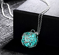 Night Light Emitting Fluorescent Stone Electroplating Ms 925 Silver Pendant Necklace(Color Random)