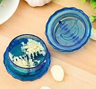 Garlic Press kitchen  cooking tools stir garlic peeler crusher twist novelty households vegetable cutter(Random color)