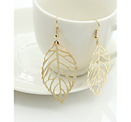 European And American Fashion Simple Leaves metal Earrings New