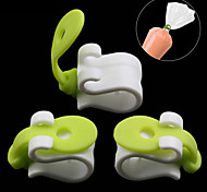 3Pcs/Set   Icing Bag Clips Sealing Piping Decorating Bag Buckles Reusable Baking Tool Hold For Decorating Cakes Cookies Cupcakes