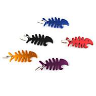 ψάρια σχήμα των οστών μπουκάλι ανοιχτήρι Μπρελόκ (τυχαία χρώμα)