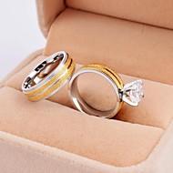 Ringe Round Shape Bryllup / Party / Daglig / Afslappet Smykker Titanium Stål / Guldbelagt Par Parringe5 / 6 / 7 / 8 / 9 / 10 Sølv