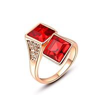 nemes és elegáns 18k vörös arany bevonatú fényes piros négyzet Ausztria kristály gyémánt rubin gyűrű ujját