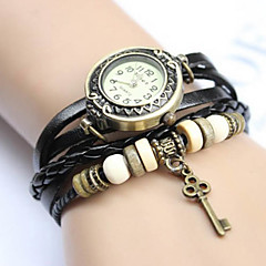Kvinnors Vintage Key Pendant Style Band Quartz Analog Bracelet Watch (blandade färger)