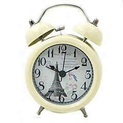 Quartz Analog Alarm Clock (Beige, 1xAA)