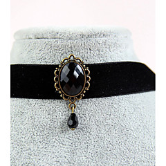 Graceful Vintage Gothic Style Exquisite Velvet Black Gem Pendant Choker Necklace
