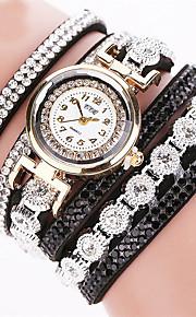 לנשים שעון צמיד קווארץ אבן נוצצת / חיקוי יהלום עור להקה מדבקות עם נצנצים שחור / לבן / כסף מותג
