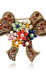 Dame Brocher Mode Euro-Amerikansk Rhinsten Legering Butterfly Form Smykker For Bryllup Fest Speciel Lejlighed Daglig