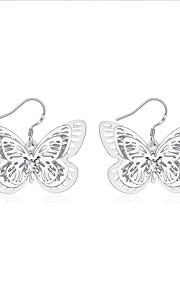 Dame Dråbeøreringe Smykker Enkelt design Sølvbelagt Butterfly Form Smykker TilBryllup Fest Speciel Lejlighed Halloween Fødselsdag