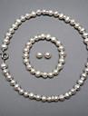 um elegante conjunto de joias de perolas de agua doce, inclusive colar, pulseira e brincos